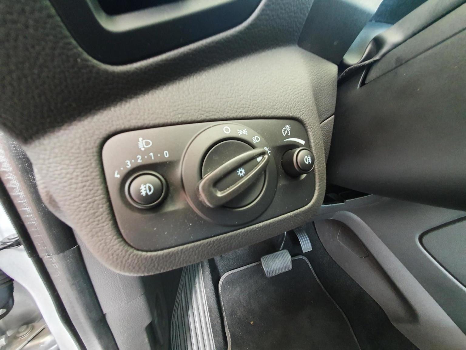 Ford-Kuga-11