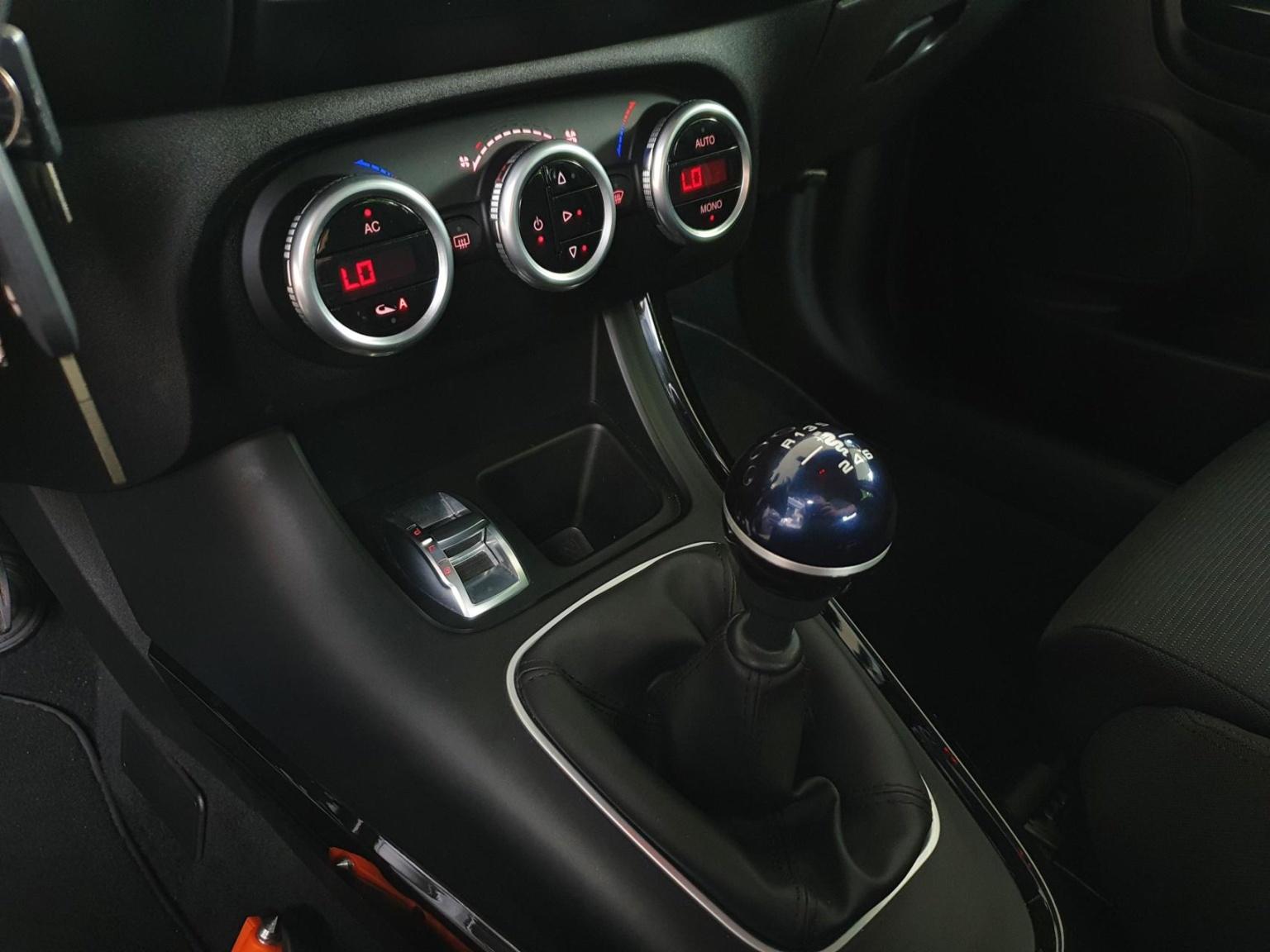 Alfa Romeo-Giulietta-12