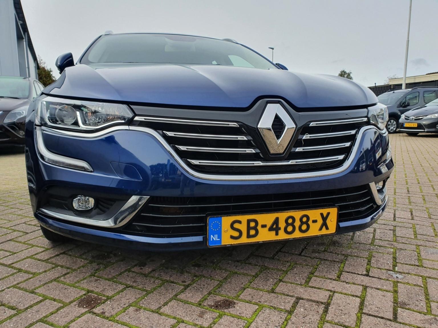 Renault-Talisman Estate-2